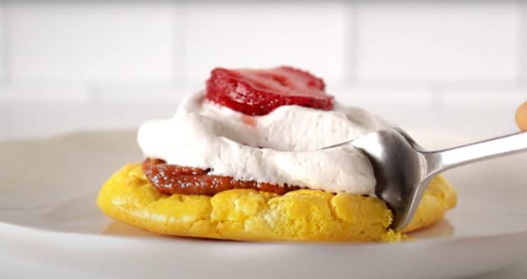 strawberry shortcake cloud bread